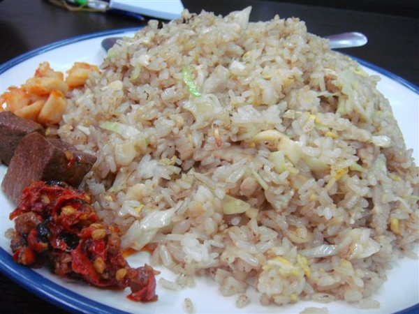 Fried Garlic Rice 蒜頭炒飯