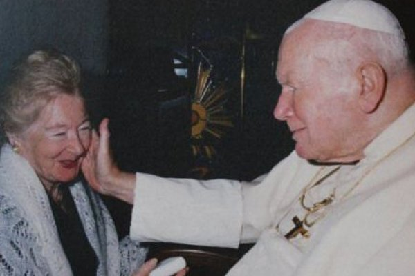 Pope John Paul II bless Anna Teresa